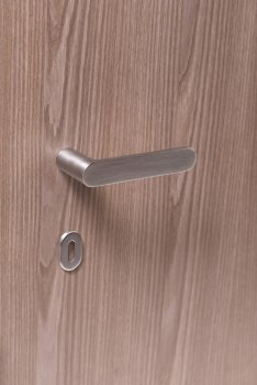 Maniglia Nuda mod Pure satin chrome with standard key hole escutcheon